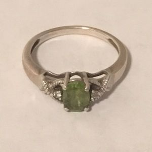 """Silver Lady's Ring Green Stone 2.5"""" - 10 3/4 Size"""